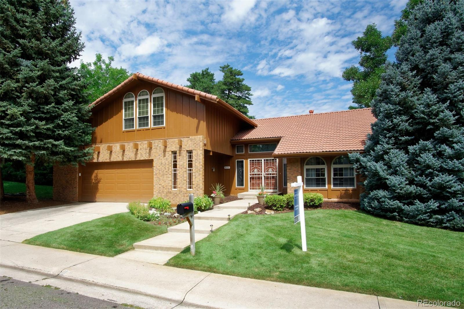 3635 S Roslyn Way, Denver CO 80237