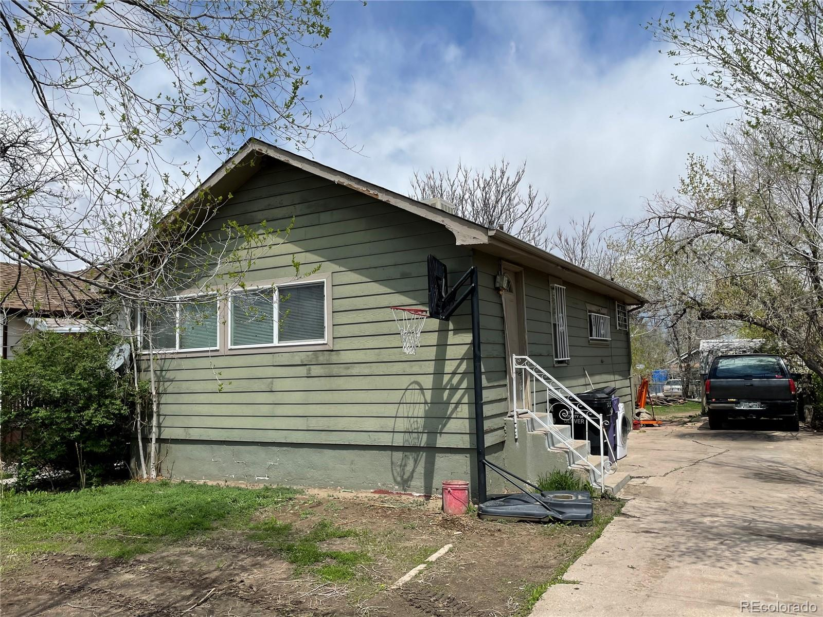3215 W Exposition Avenue, Denver CO 80219