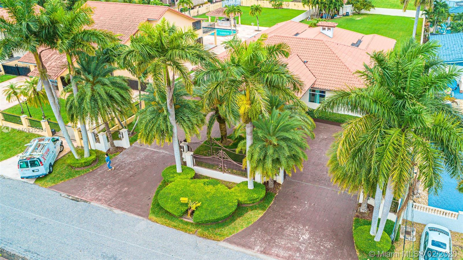 2704 SW 115th Ave, Miami FL 33165