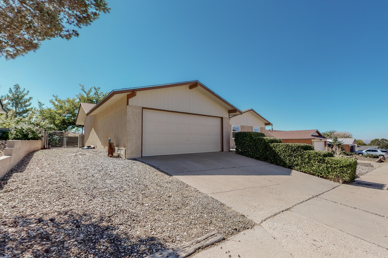 12916 Bryce Avenue, Albuquerque NM 87112