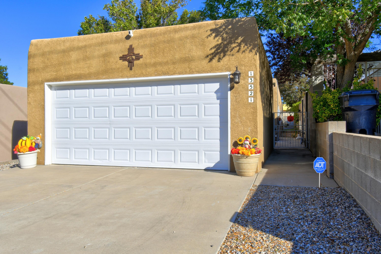 13521 SKYLINE Road, Albuquerque NM 87123