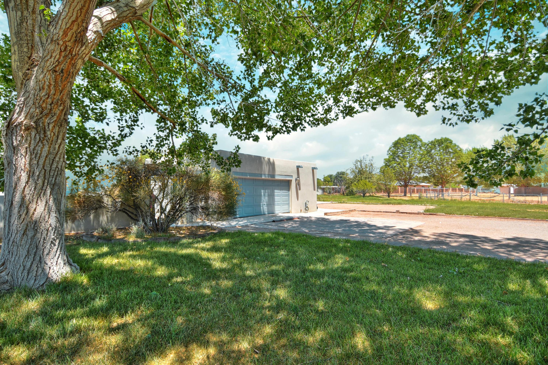 528 Alamos Road, Corrales NM 87048