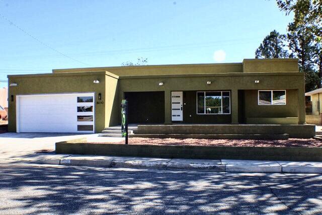 8010 Robin Avenue, Albuquerque NM 87110