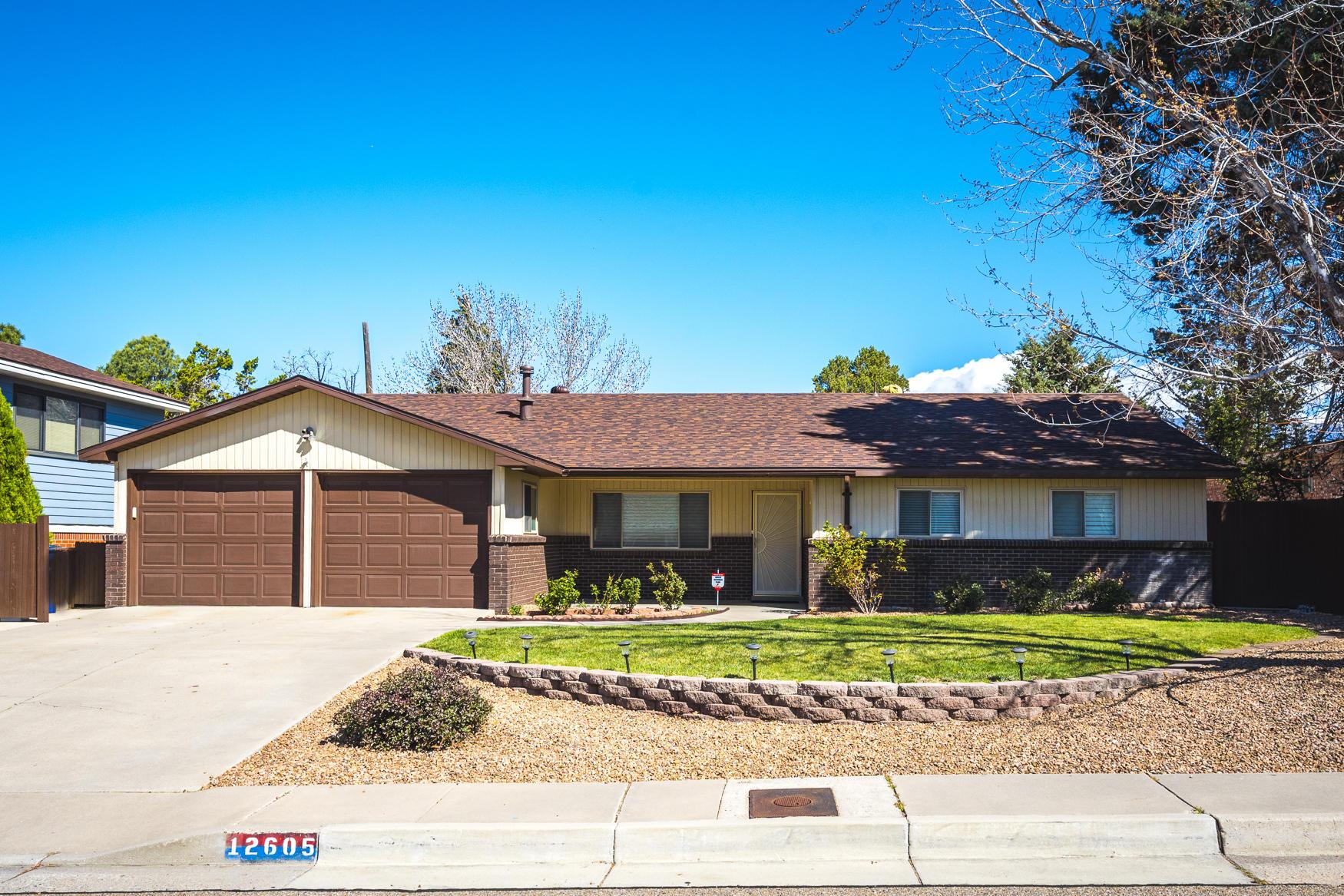12605 LOYOLA Avenue, Albuquerque NM 87112