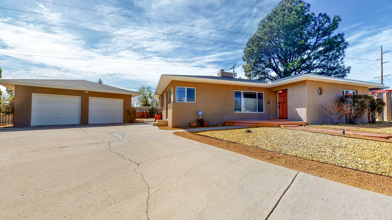 3312 Loma Vista Place, Albuquerque NM 87106