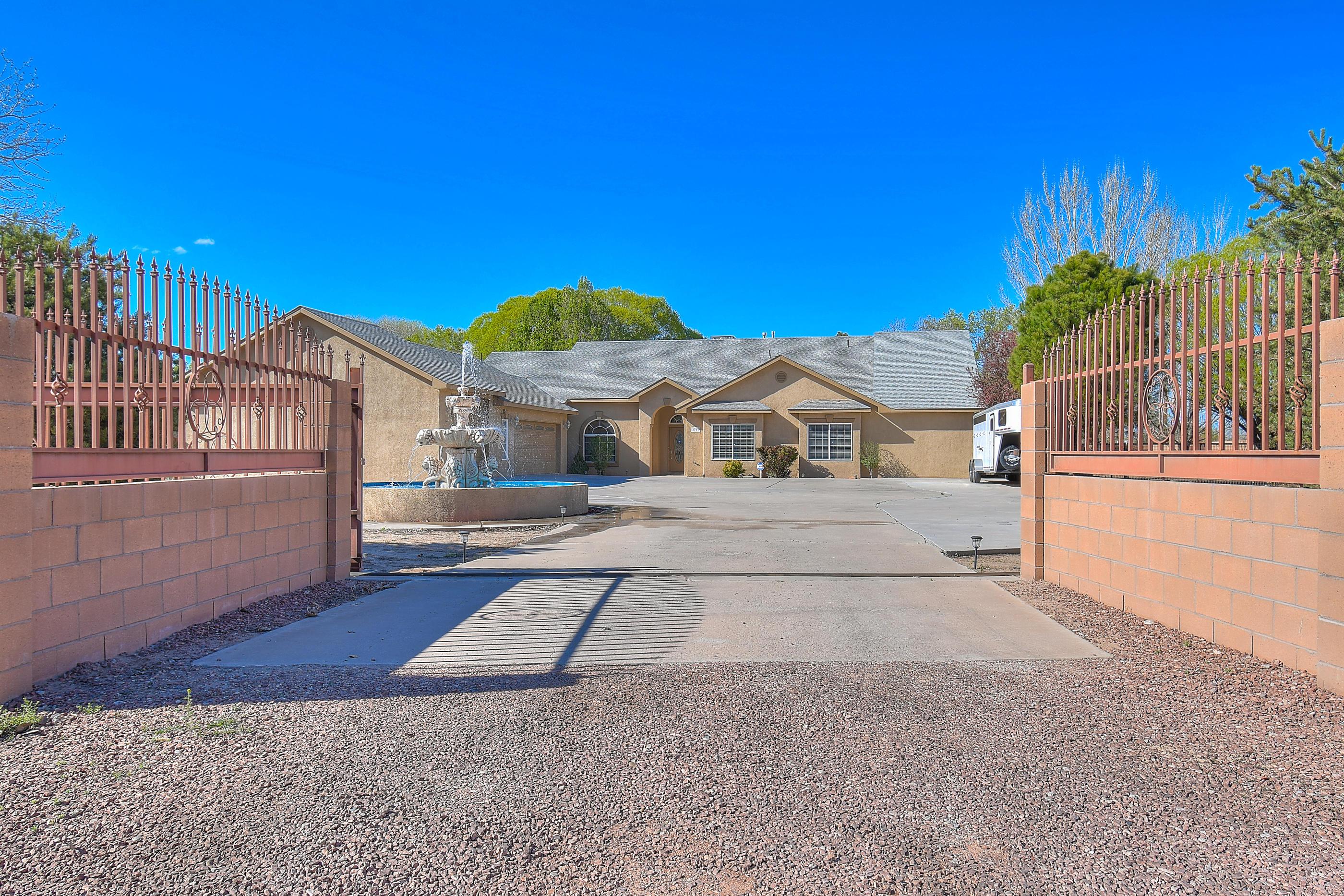 2701 Norment Road, Albuquerque NM 87105