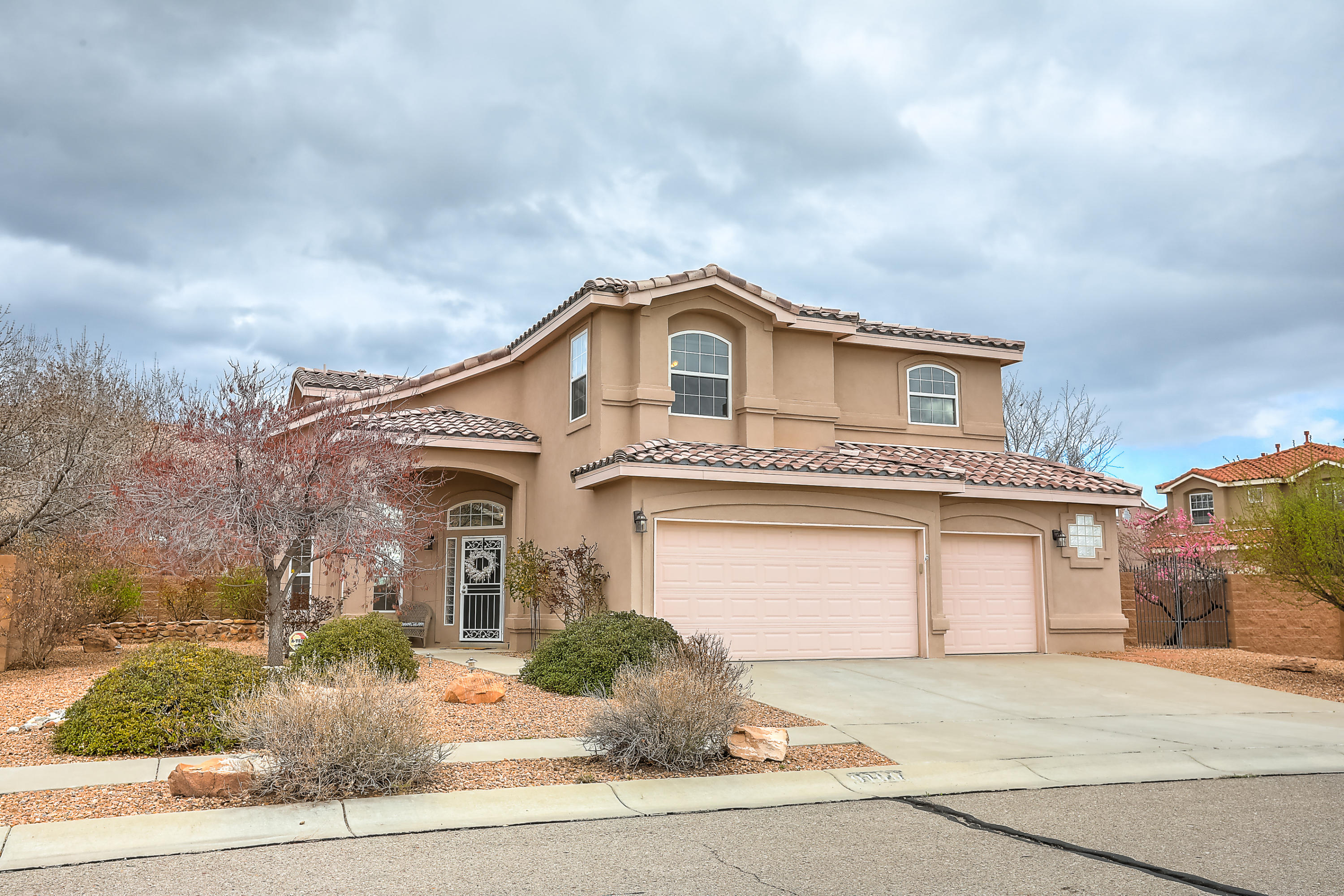 9100 BLUE MESA Drive, Albuquerque NM 87113