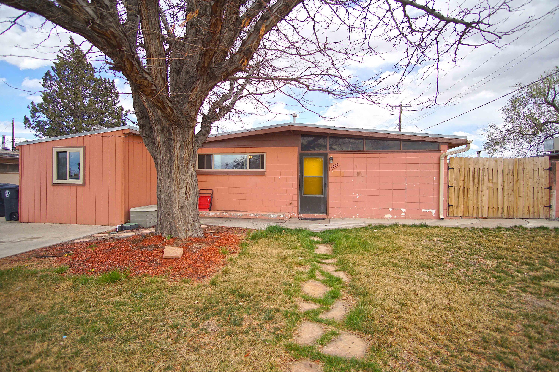 3006 Graceland Drive, Albuquerque NM 87110