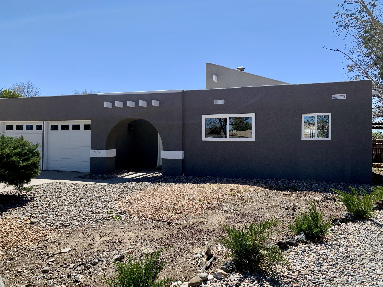 5425 Mariposa Court, Albuquerque NM 87120