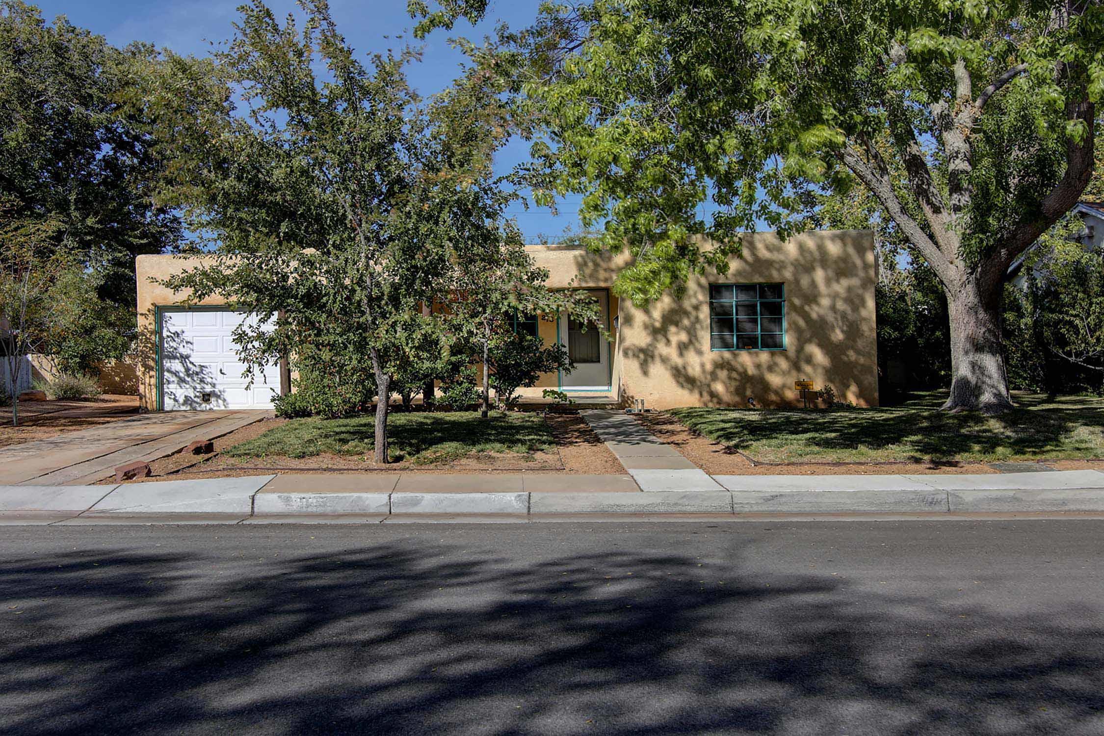 213 GRACELAND Drive, Albuquerque NM 87108