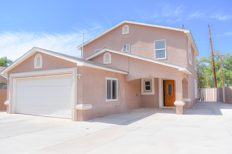 1801 LAKE Drive, Albuquerque NM 87105
