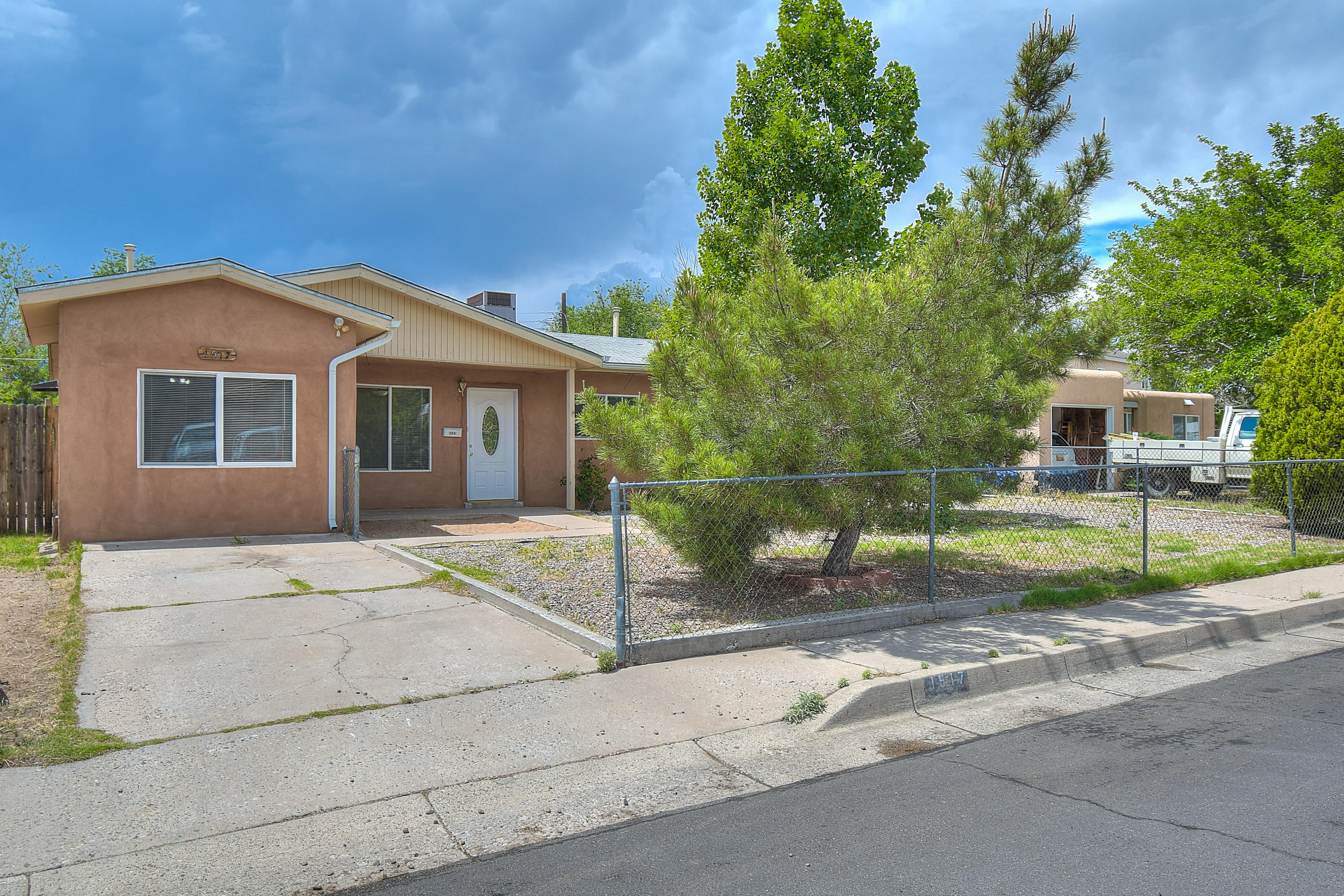 1517 DOROTHY Street, Albuquerque NM 87112