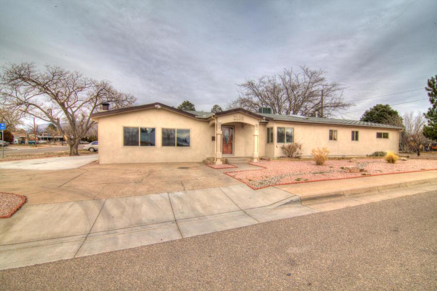 1100 GLORIETA Street, Albuquerque NM 87112