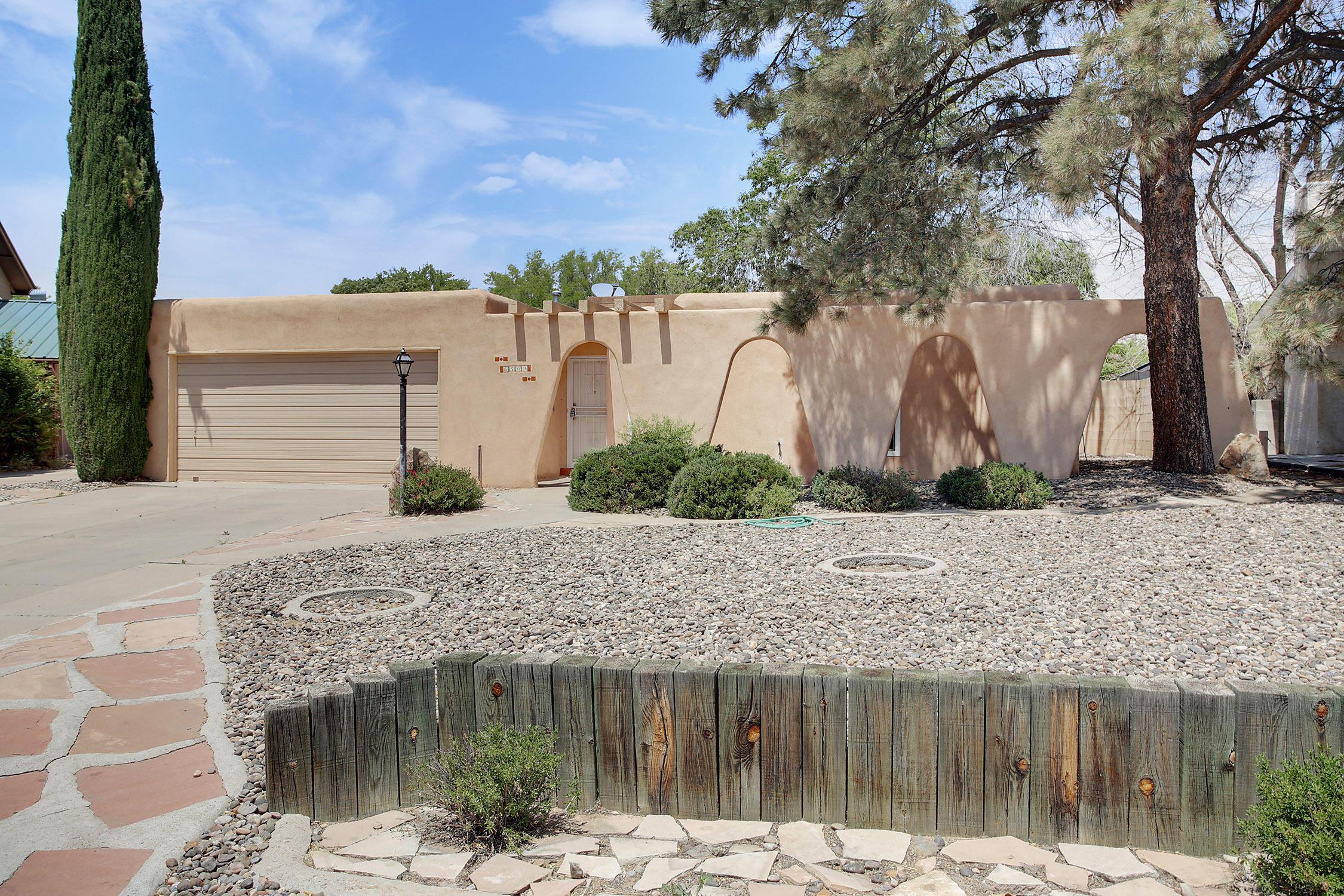 6509 Martin Court, Albuquerque NM 87109