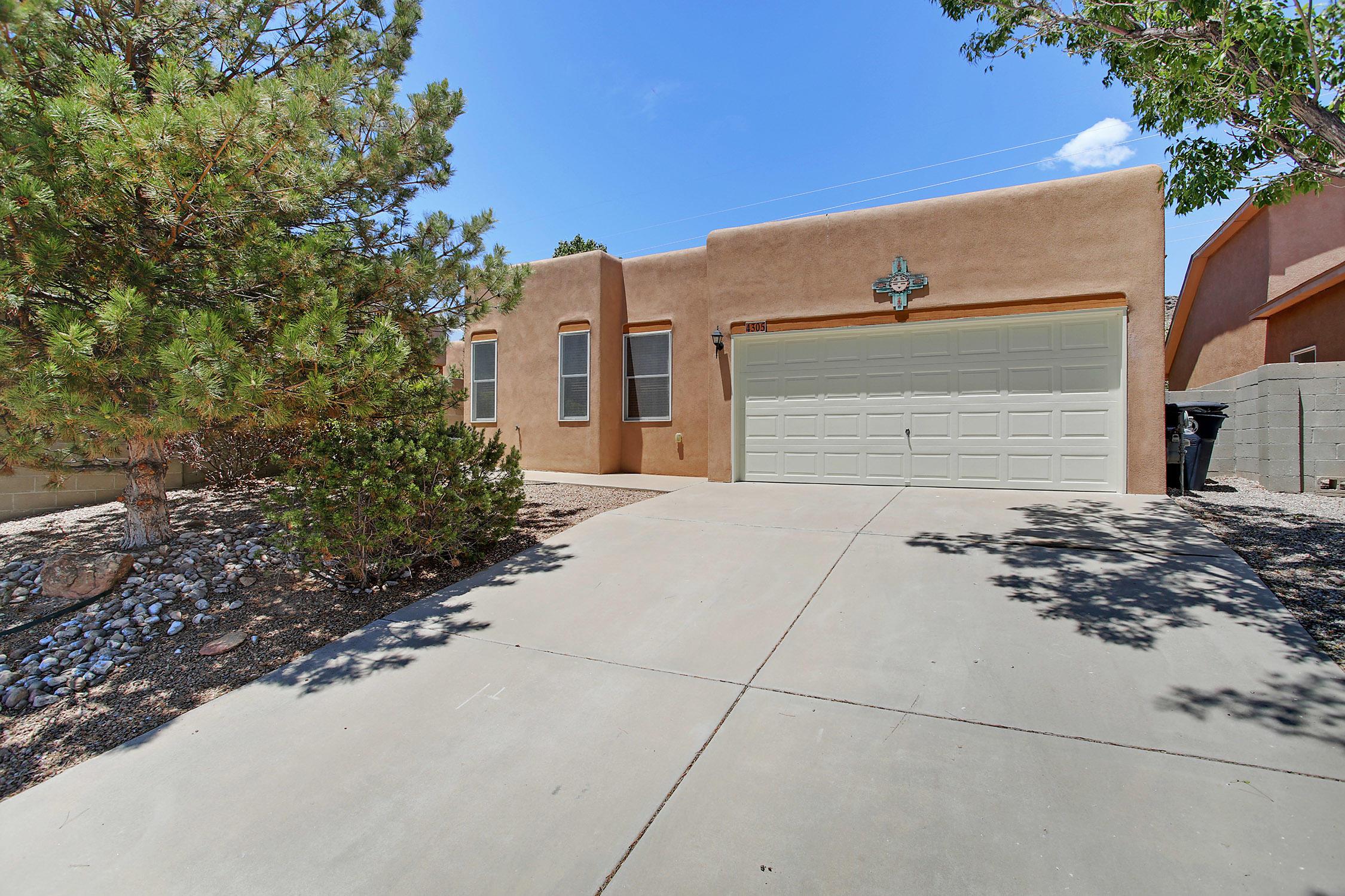 4305 CLIFF BASE Drive, Albuquerque NM 87120