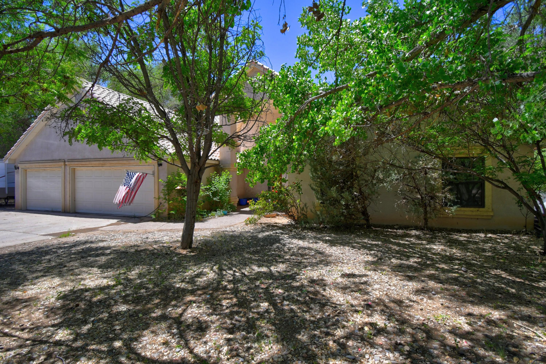 723 W Meadowlark Lane, Corrales NM 87048