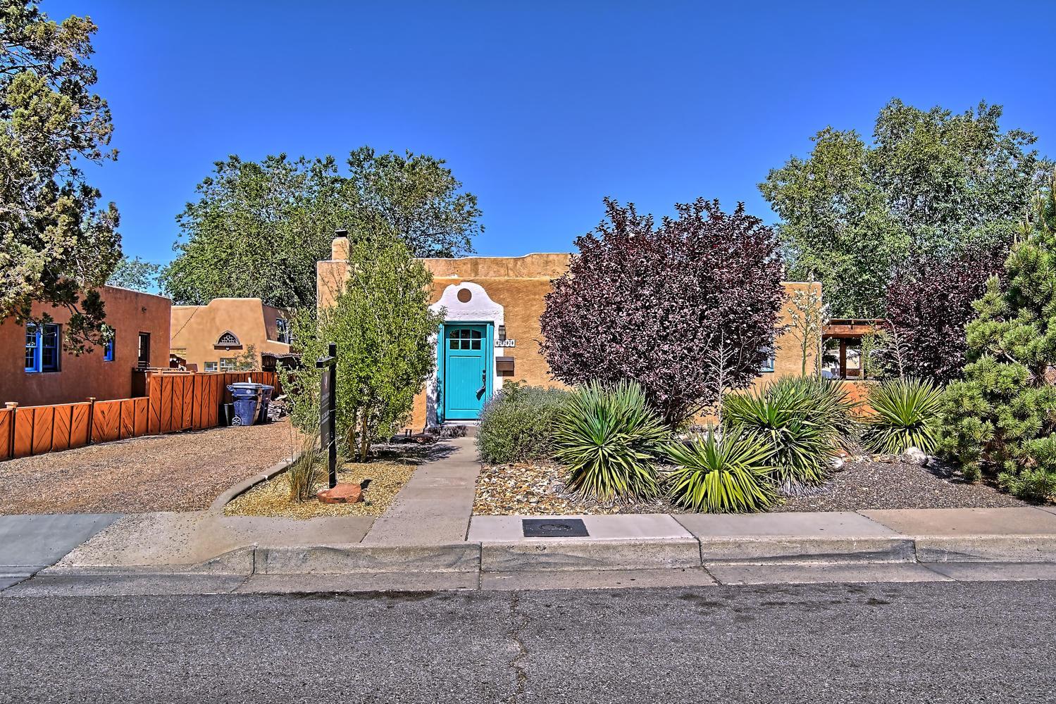 227 AMHERST Drive, Albuquerque NM 87106
