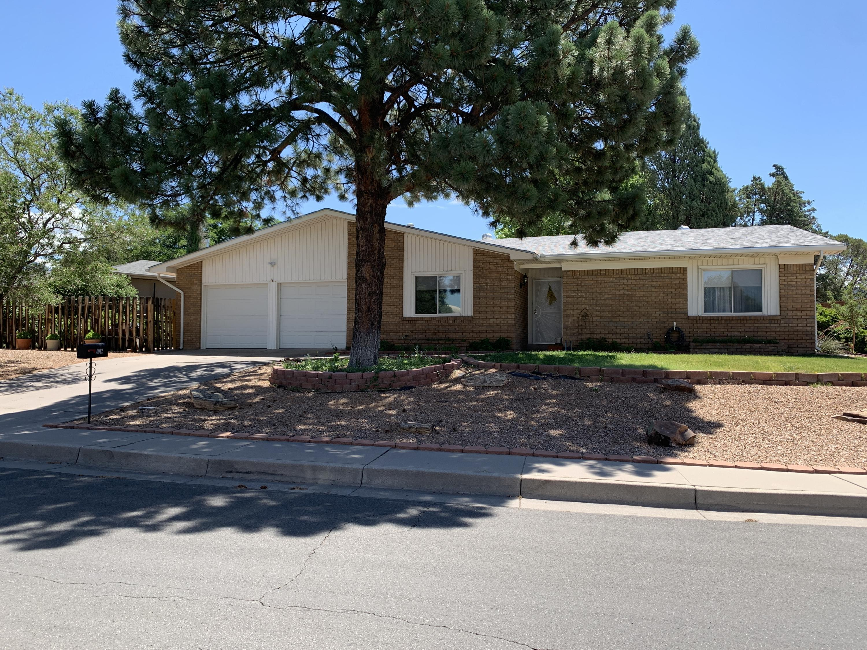 4012 TARA Drive, Albuquerque NM 87111