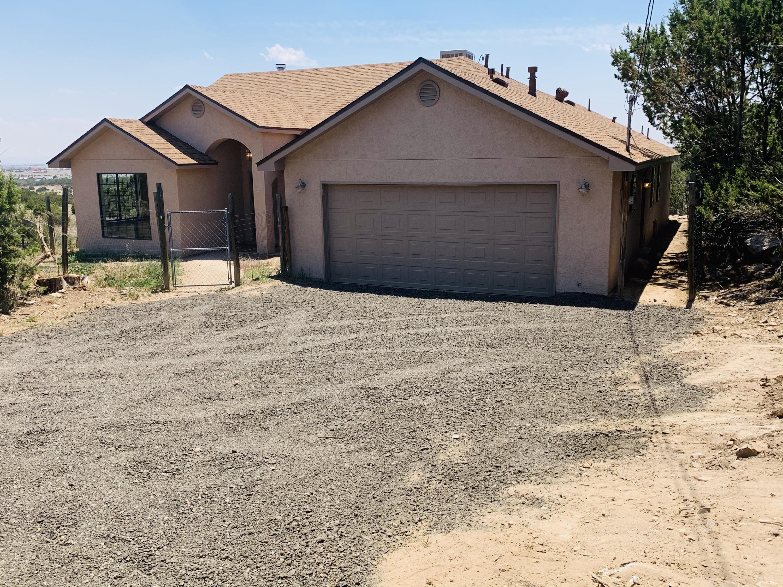 16 RYAN Road, Edgewood NM 87015