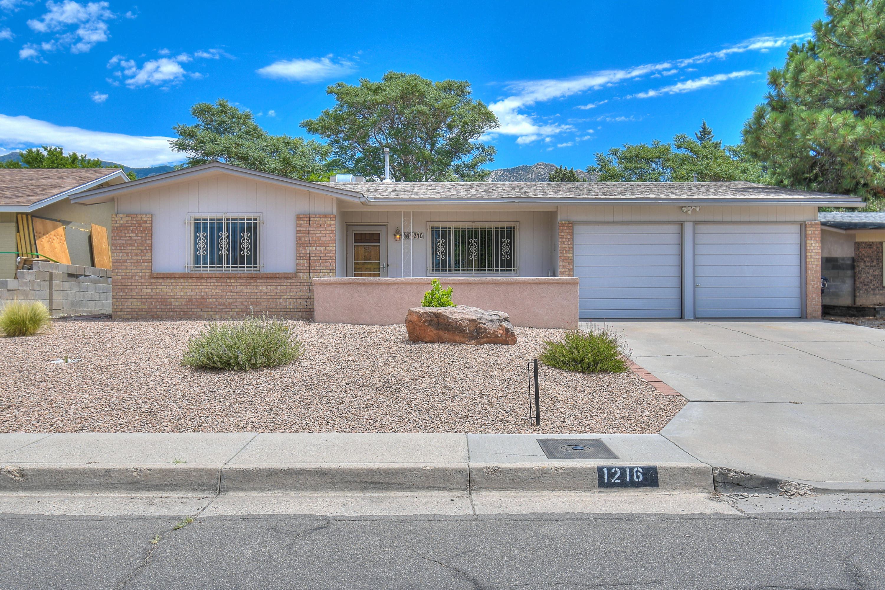 1216 WILLYS KNIGHT Drive, Albuquerque NM 87112