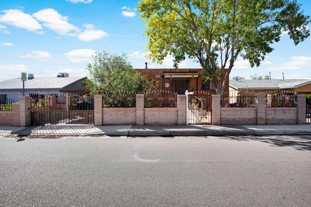 1509 WALTER Street, Albuquerque NM 87102