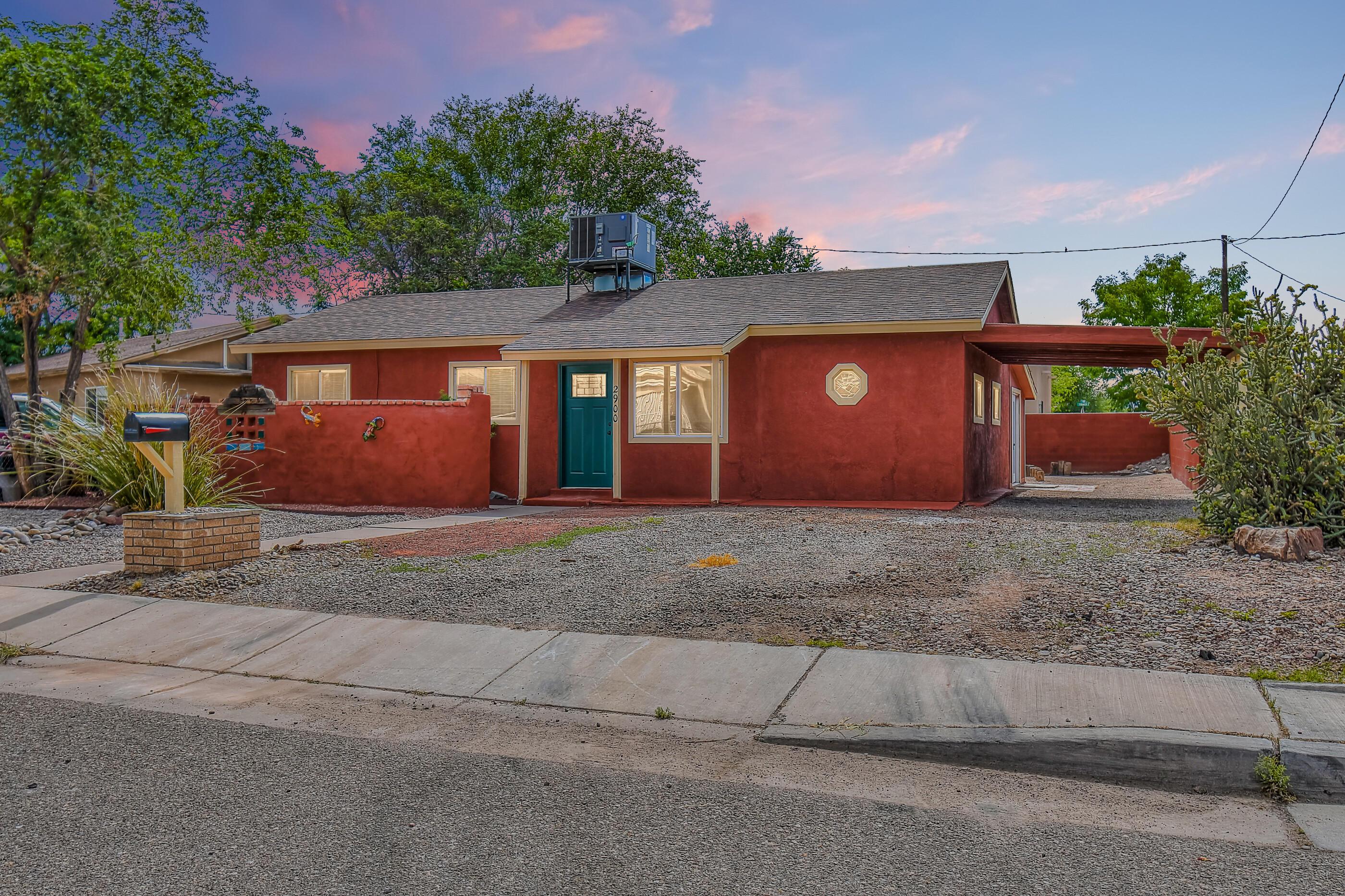2900 PHOENIX Place, Albuquerque NM 87107