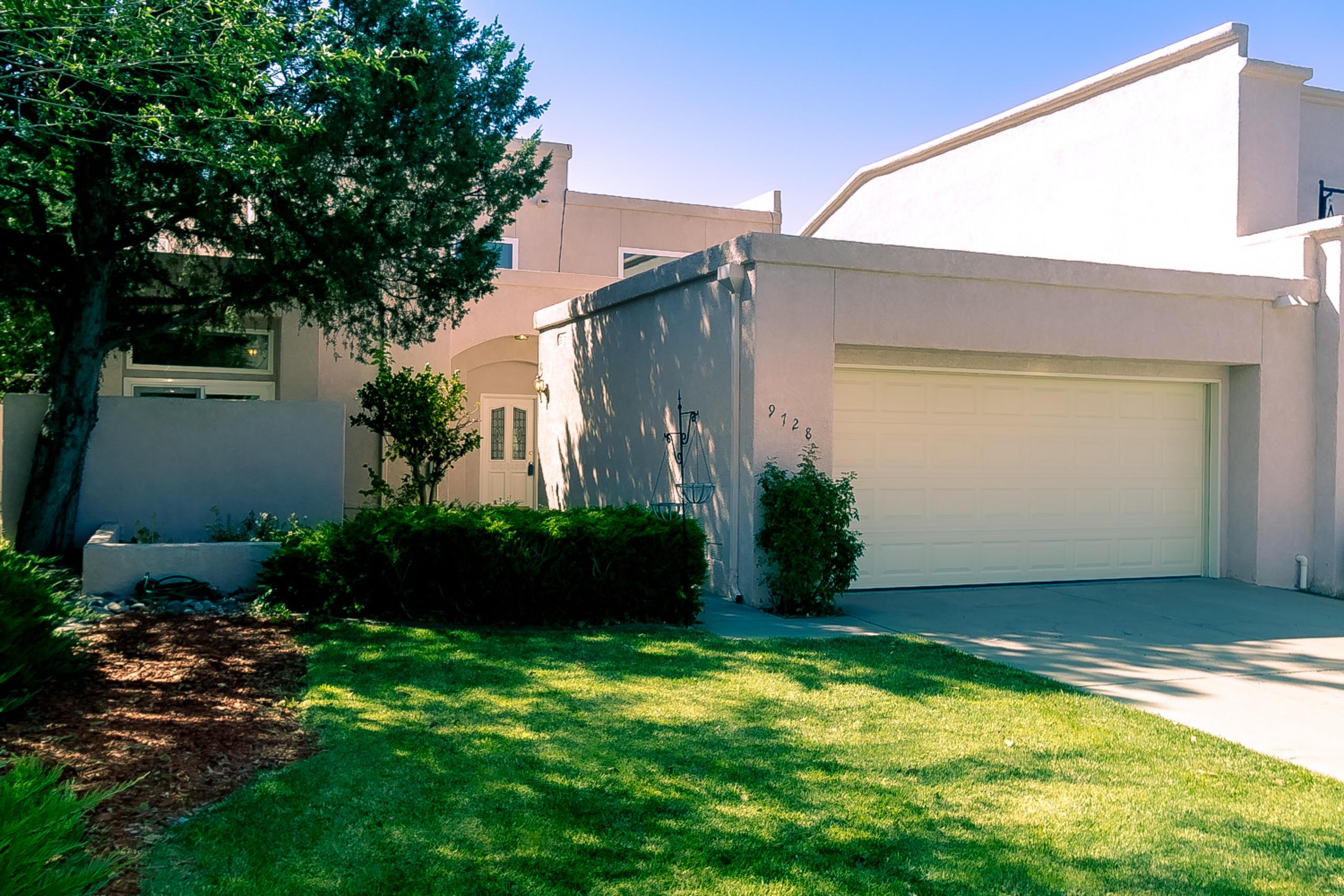 9728 Colonial Circle, Albuquerque NM 87111