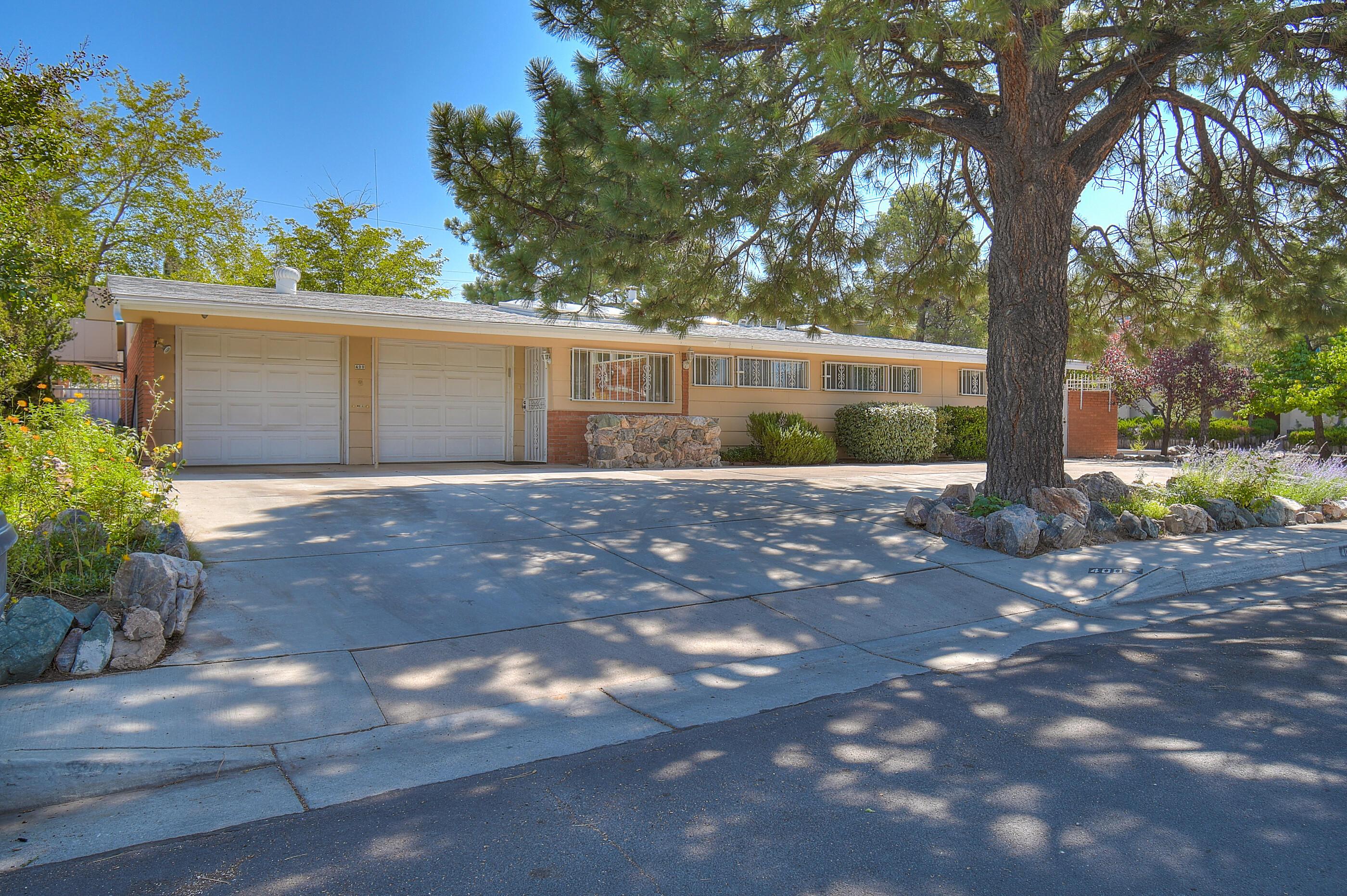 400 LA VETA Drive, Albuquerque NM 87108