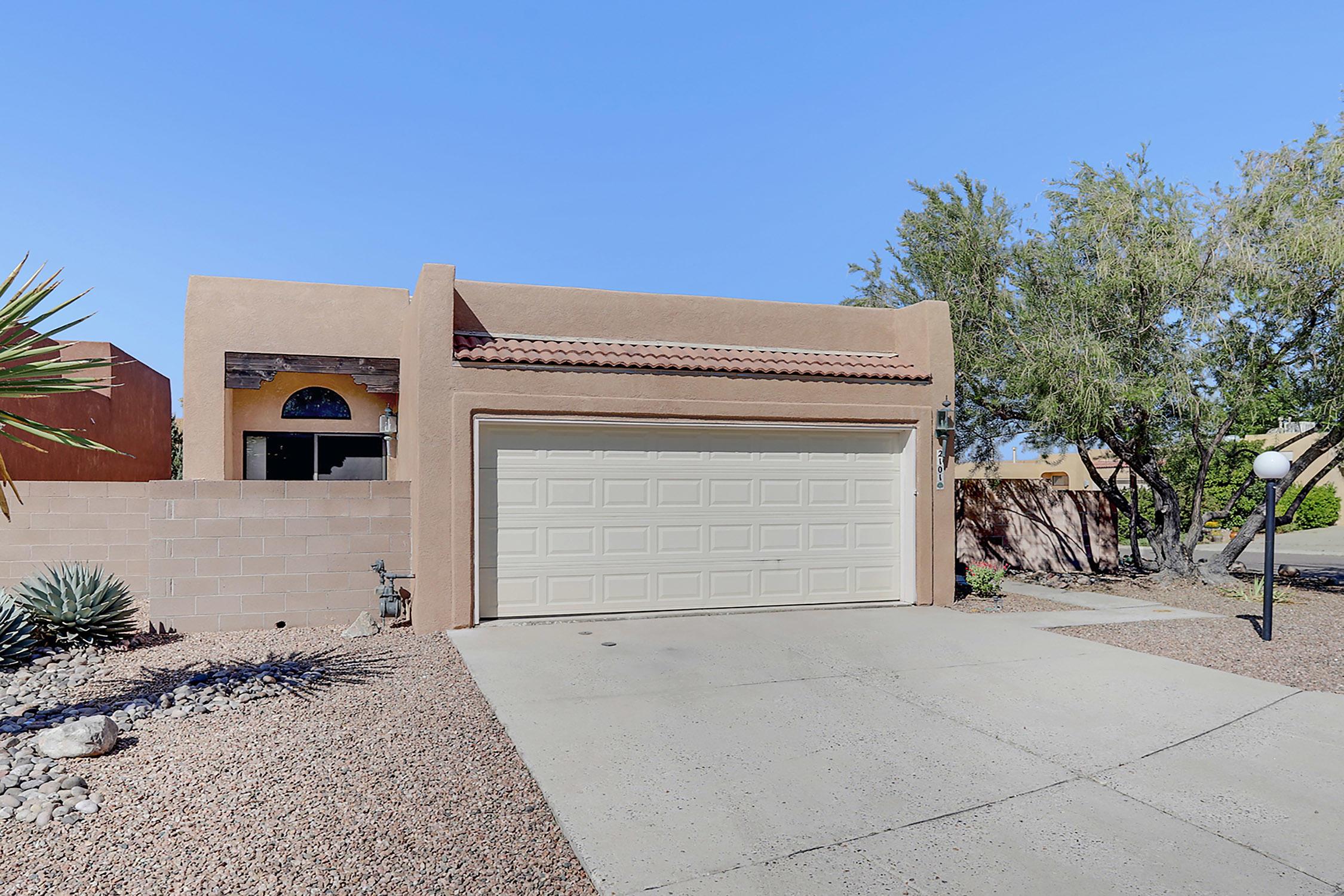 2101 NAVAJO WILLOW Drive, Albuquerque NM 87122