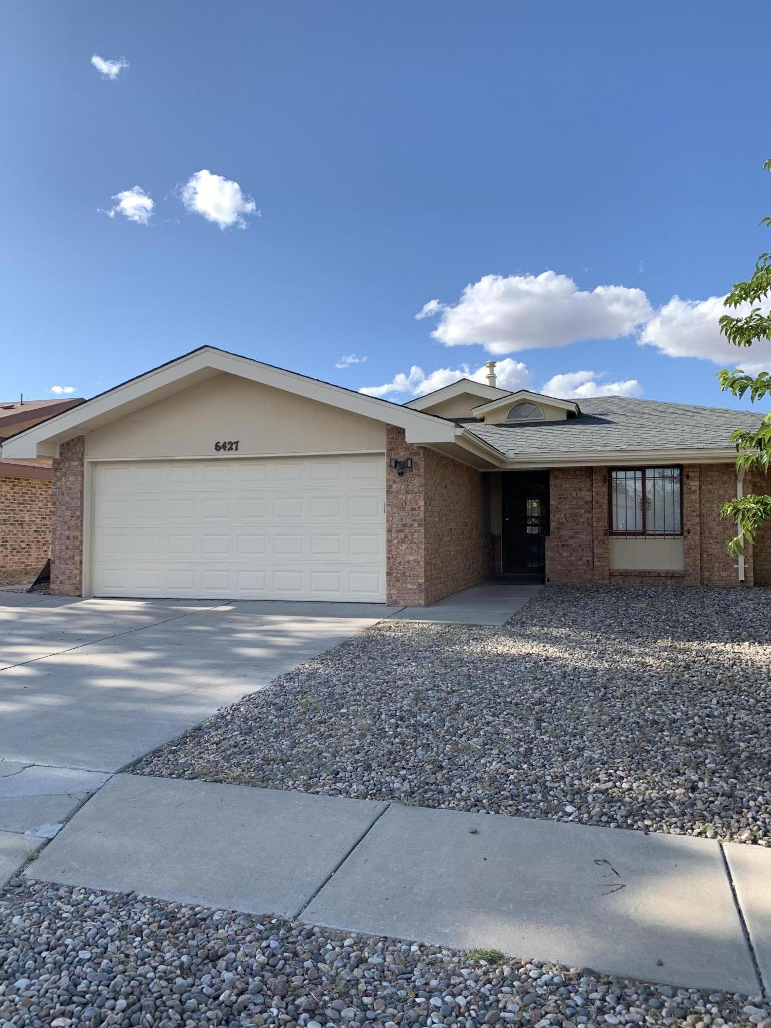 6427 LAMY Street, Albuquerque NM 87120