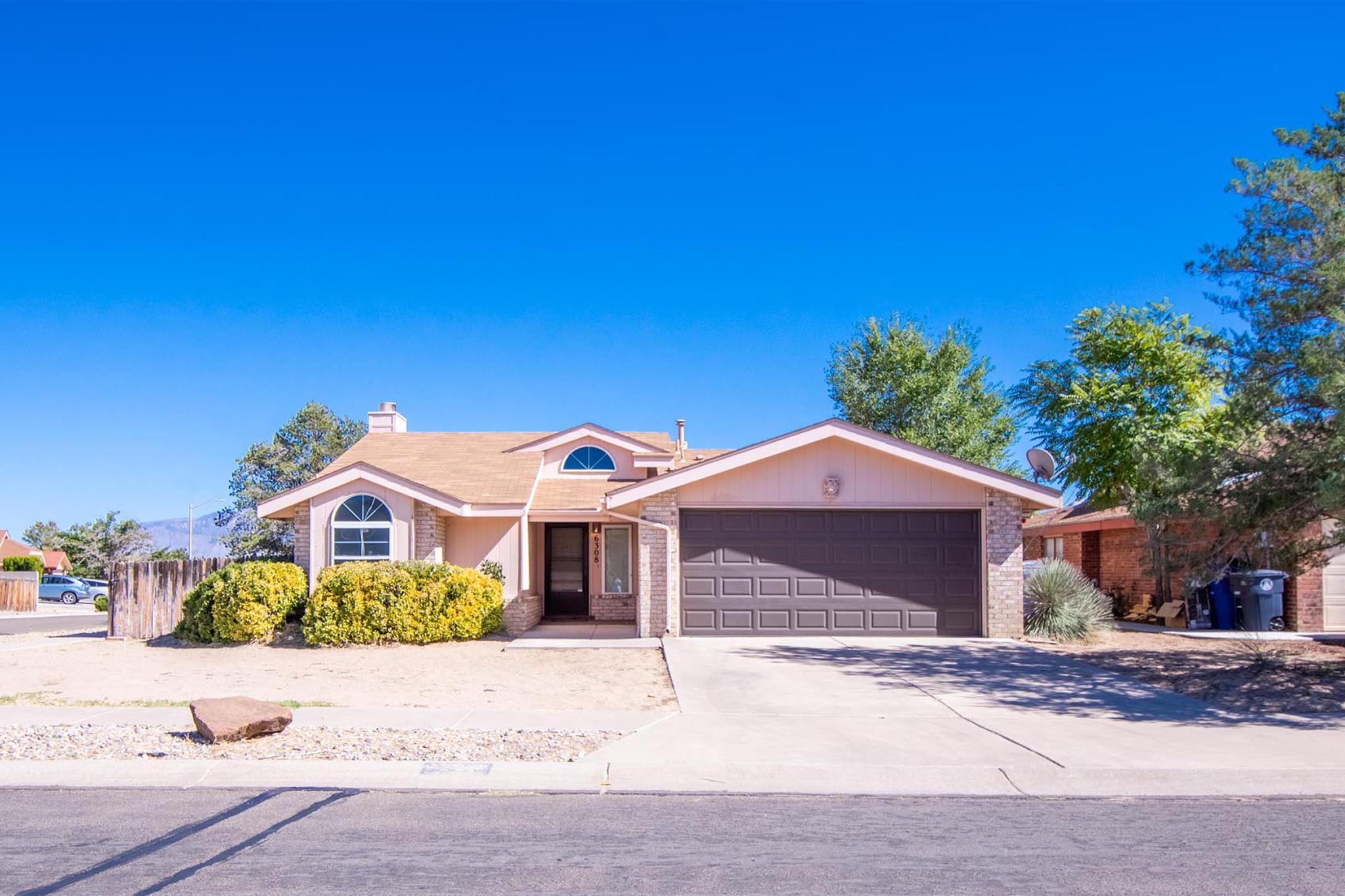 6308 LAMY Street, Albuquerque NM 87120