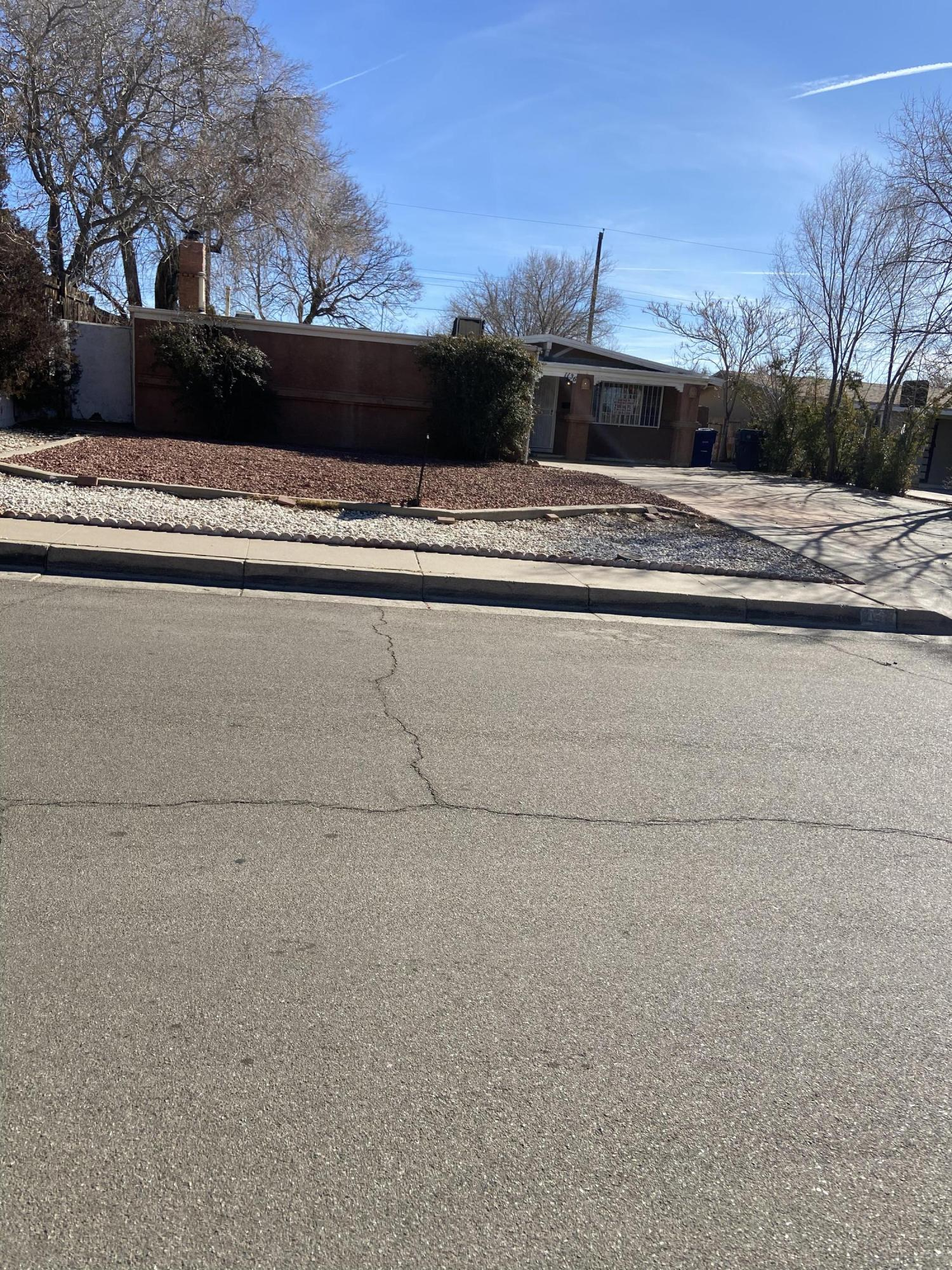 1136 GLORIETA Street, Albuquerque NM 87112