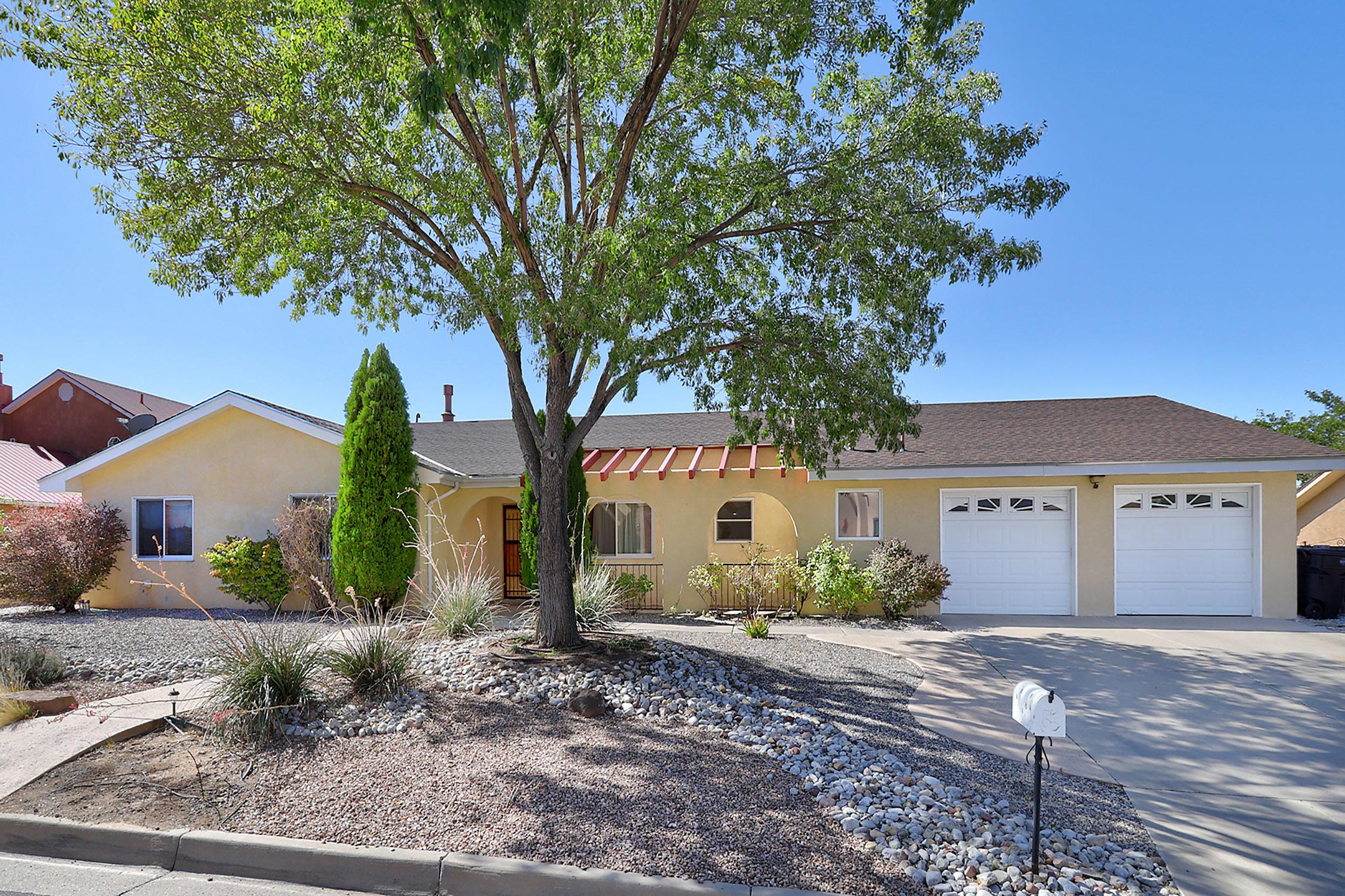 805 NAVARRA Way, Albuquerque NM 87123
