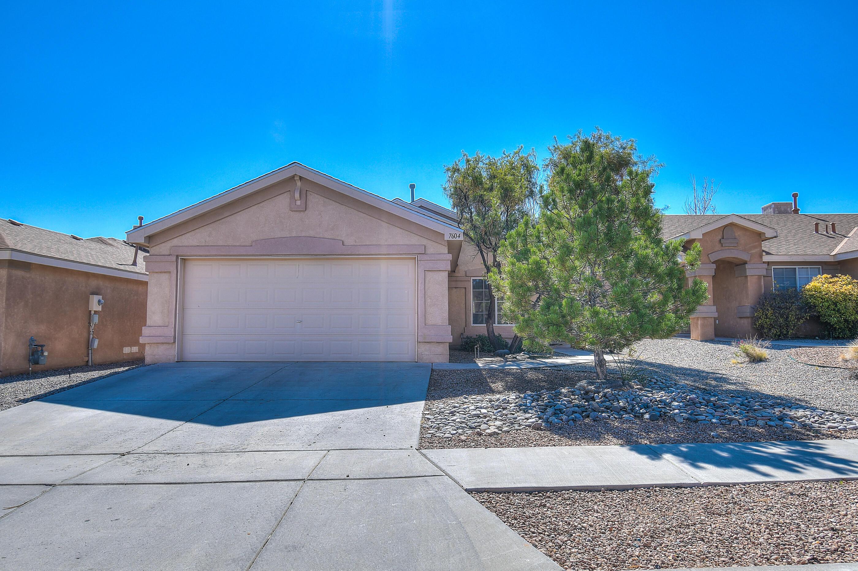 7604 GOSHAWK Avenue, Albuquerque NM 87114