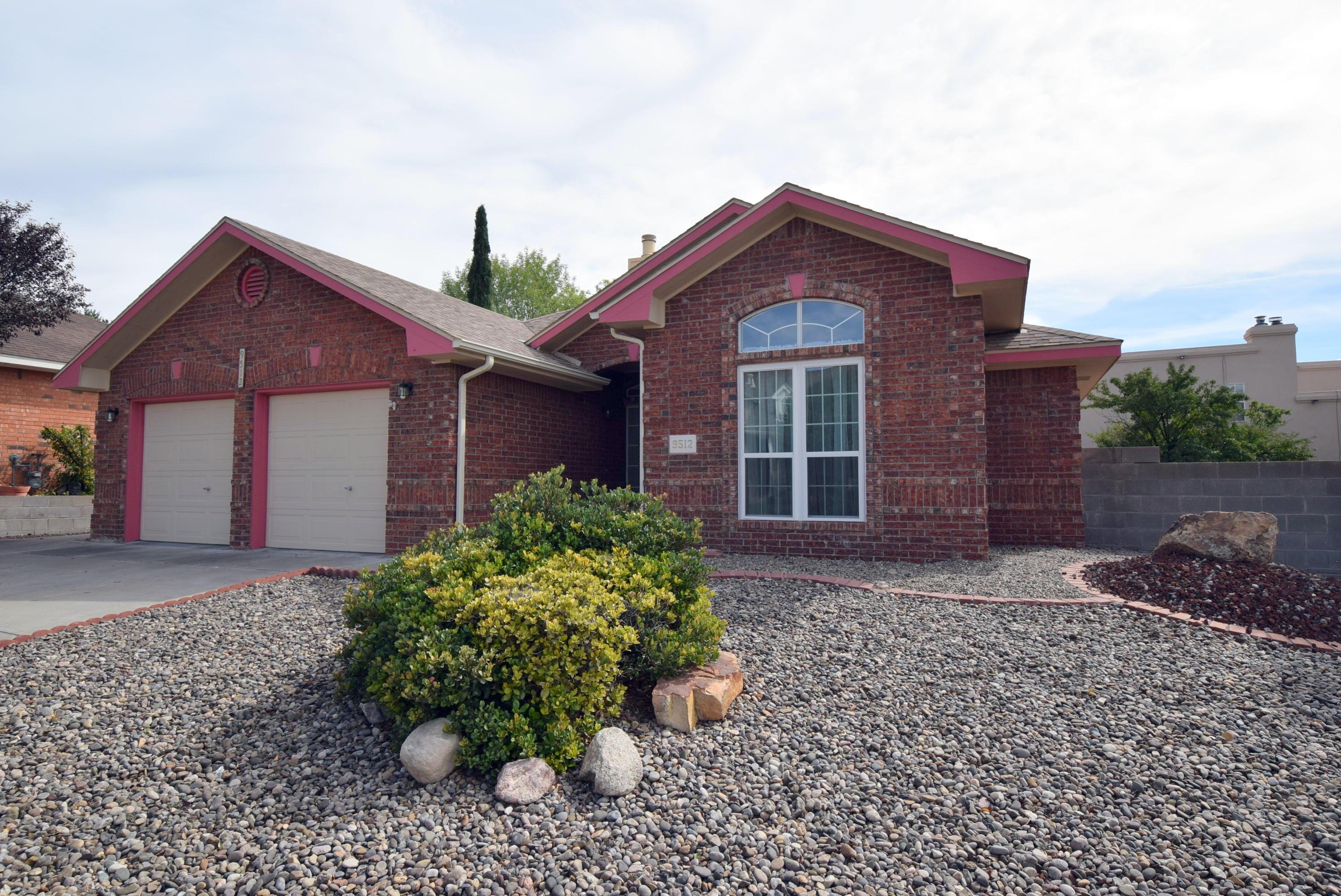9512 ROSAS Avenue, Albuquerque NM 87109