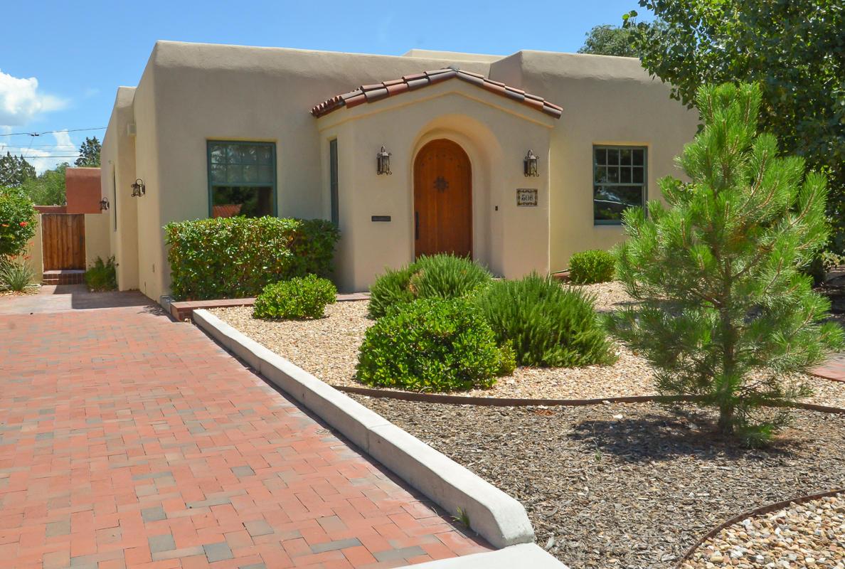 306 BRYN MAWR Drive, Albuquerque NM 87106