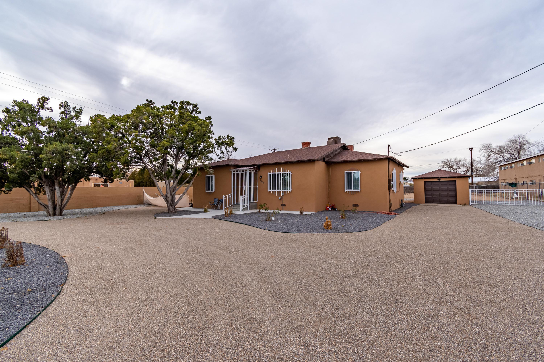 3805 12TH Street, Albuquerque NM 87107