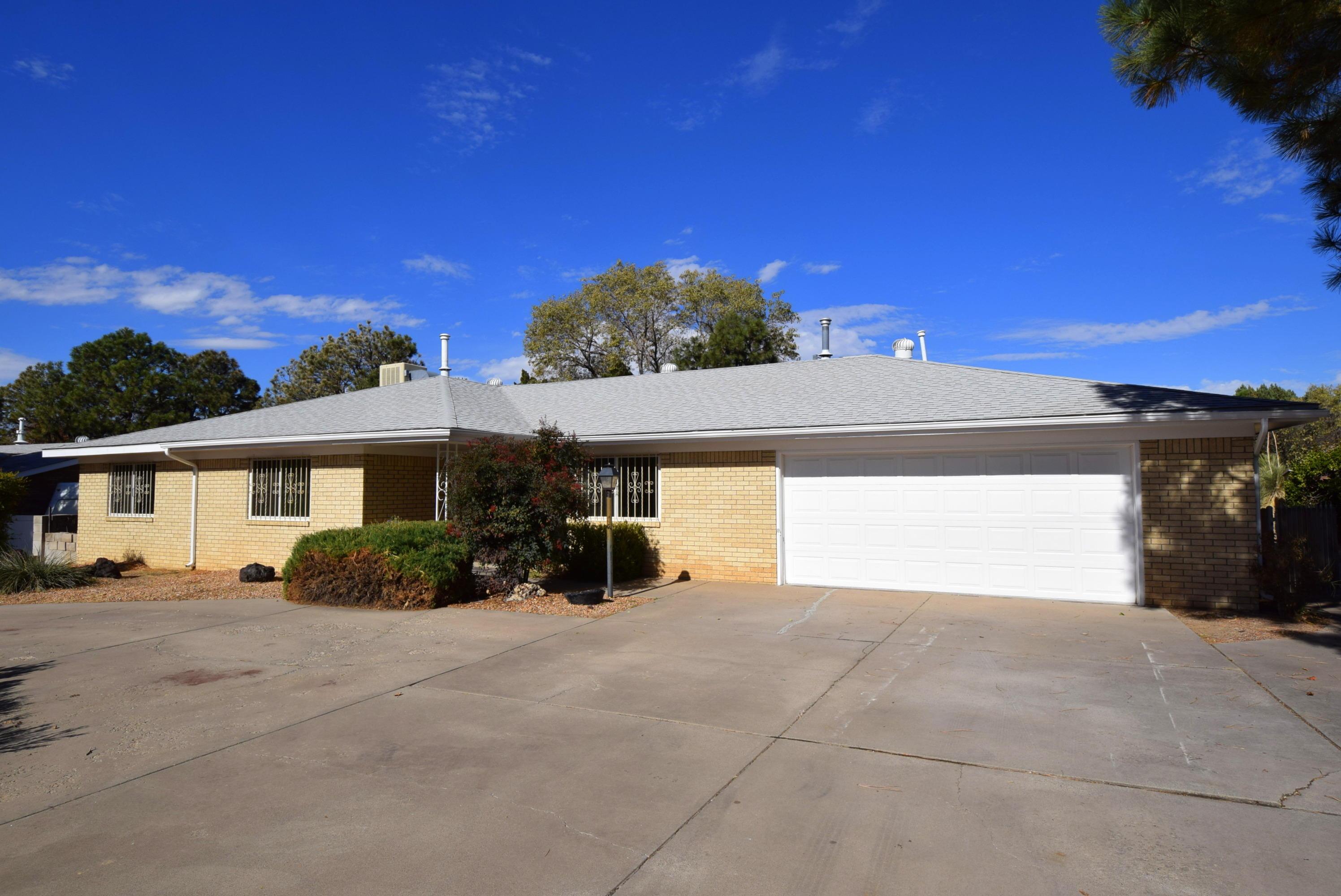 6509 Arroyo Del Oso Avenue, Albuquerque NM 87109