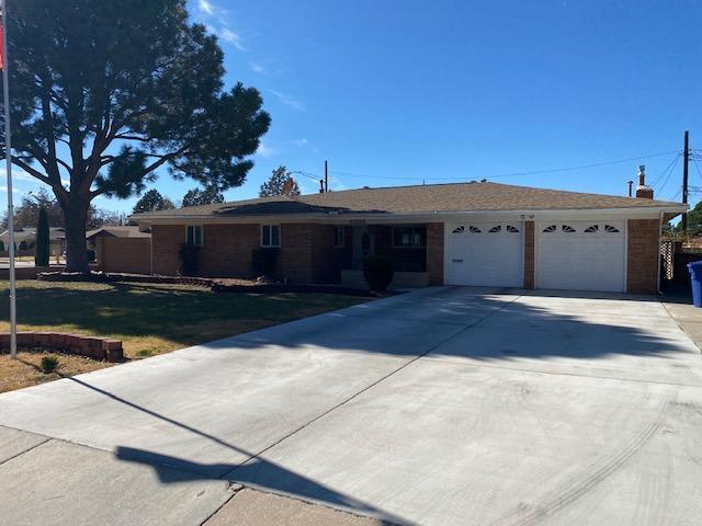 2901 VERMONT Street, Albuquerque NM 87110