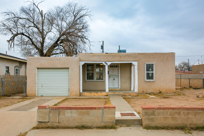 1014 La Luz Drive, Albuquerque NM 87107