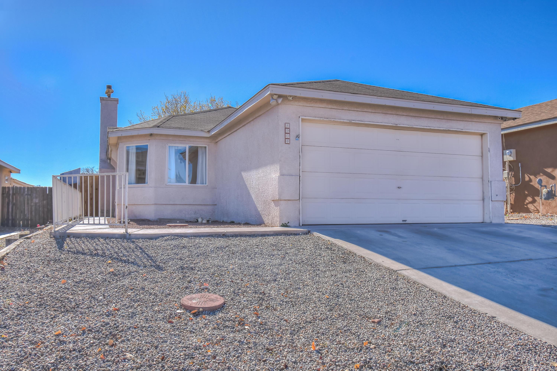 8904 La Vida Lane, Albuquerque NM 87121