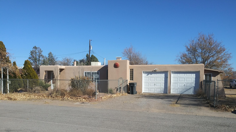 6216 COLE Lane, Albuquerque NM 87105
