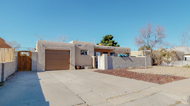 2917 MANZANO Street, Albuquerque NM 87110