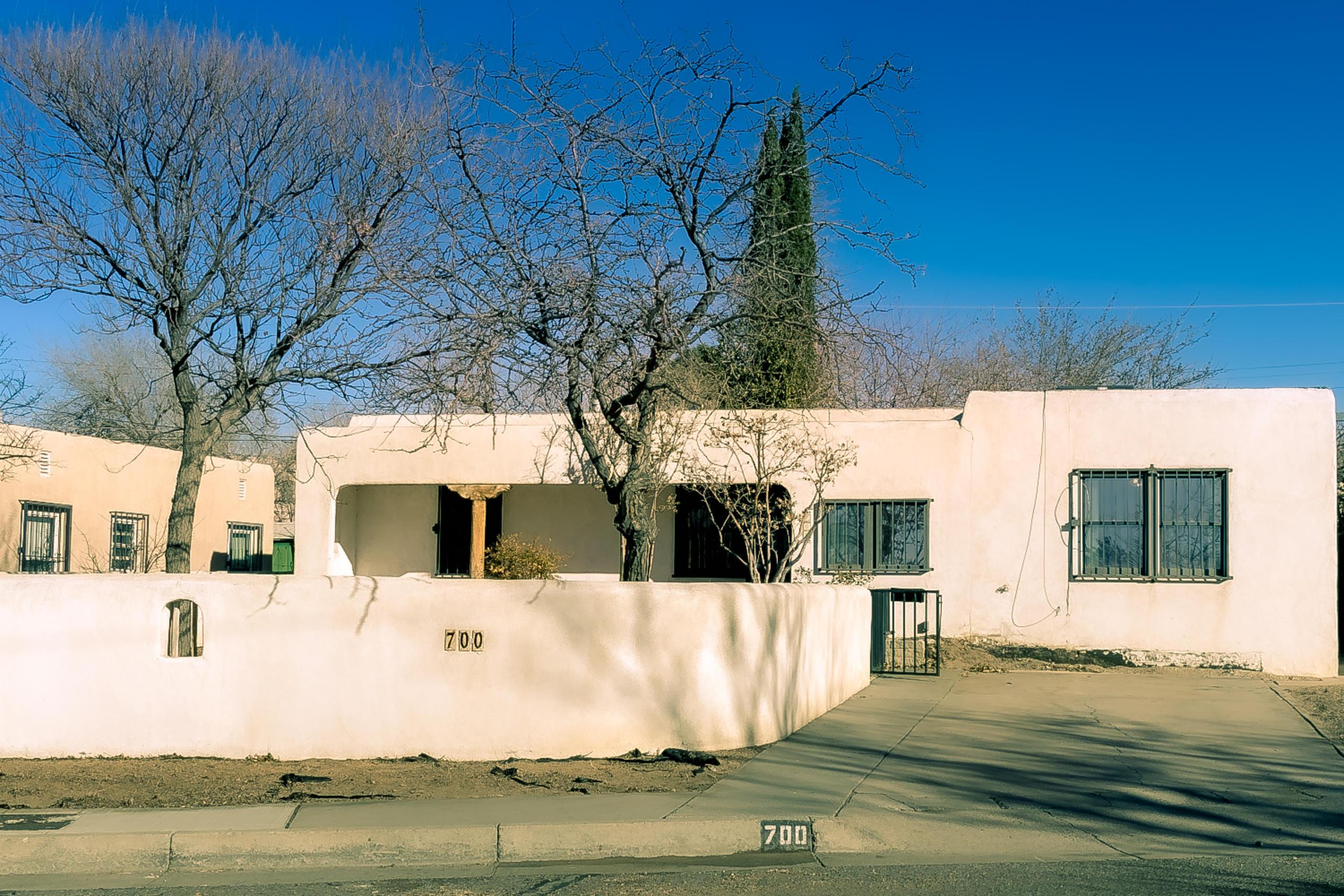 700 VASSAR Drive, Albuquerque NM 87106