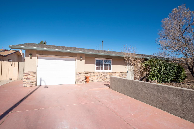 4915 SOONER Trail, Albuquerque NM 87120