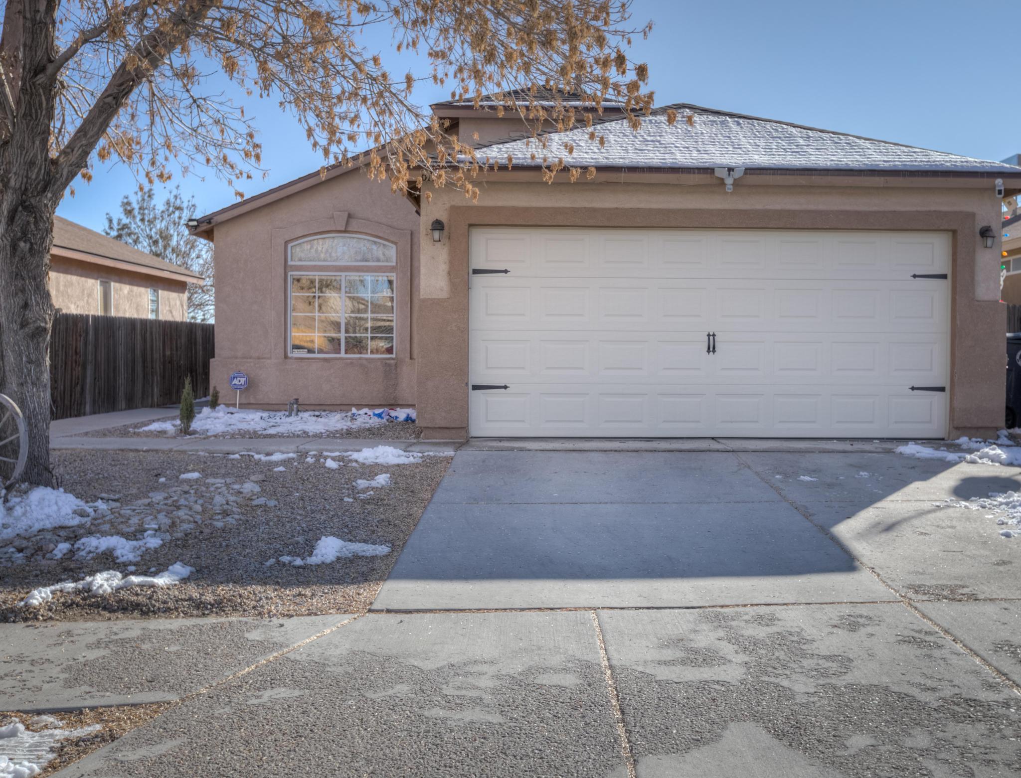 6136 CYONUS Avenue, Albuquerque NM 87114