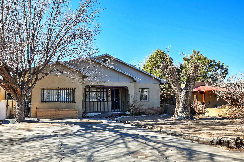 513 VALENCIA Drive, Albuquerque NM 87108