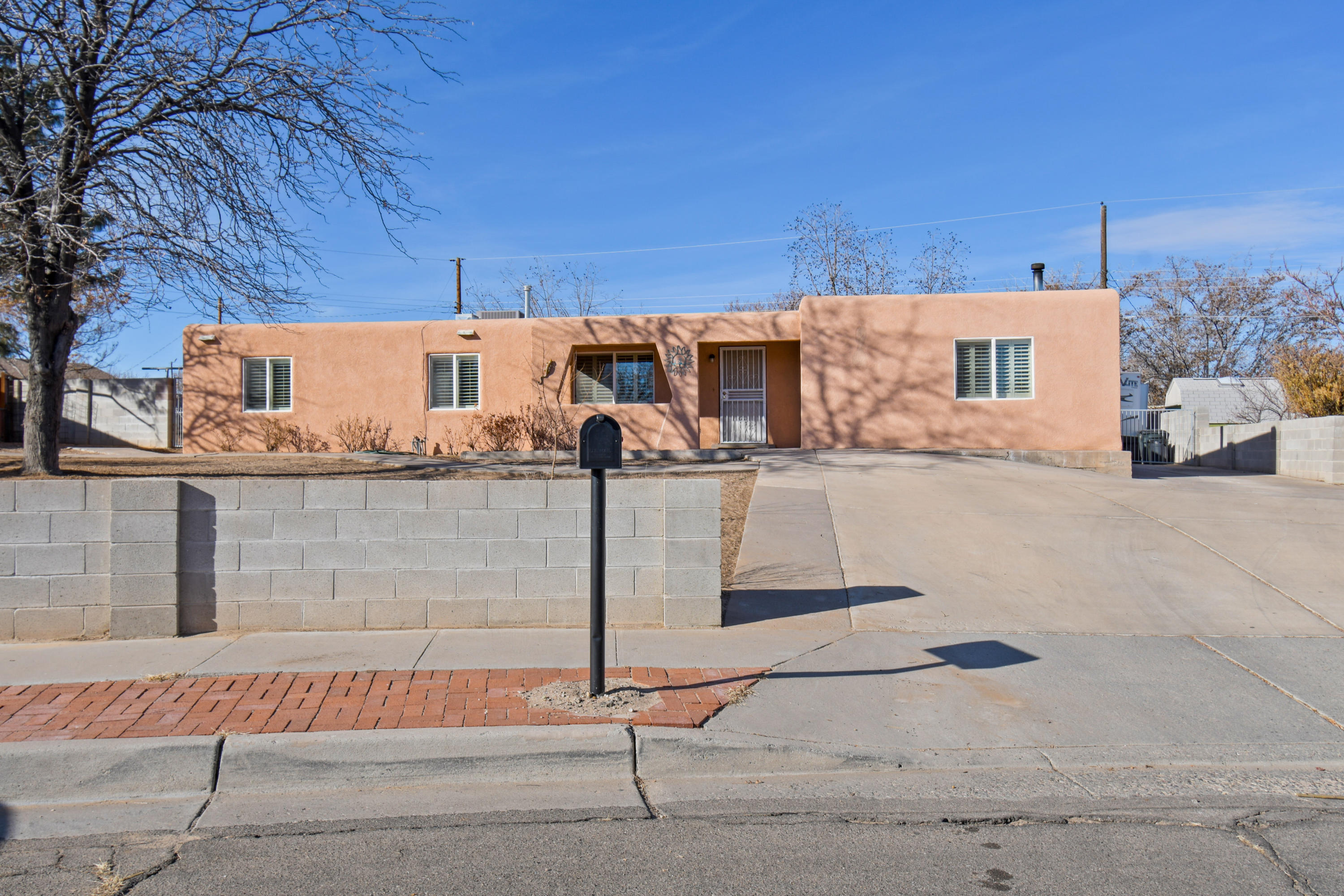 10439 Valtierra Place, Albuquerque NM 87121