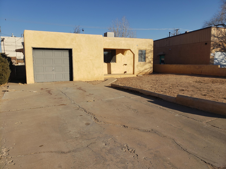 1104 TRUMAN Street, Albuquerque NM 87108