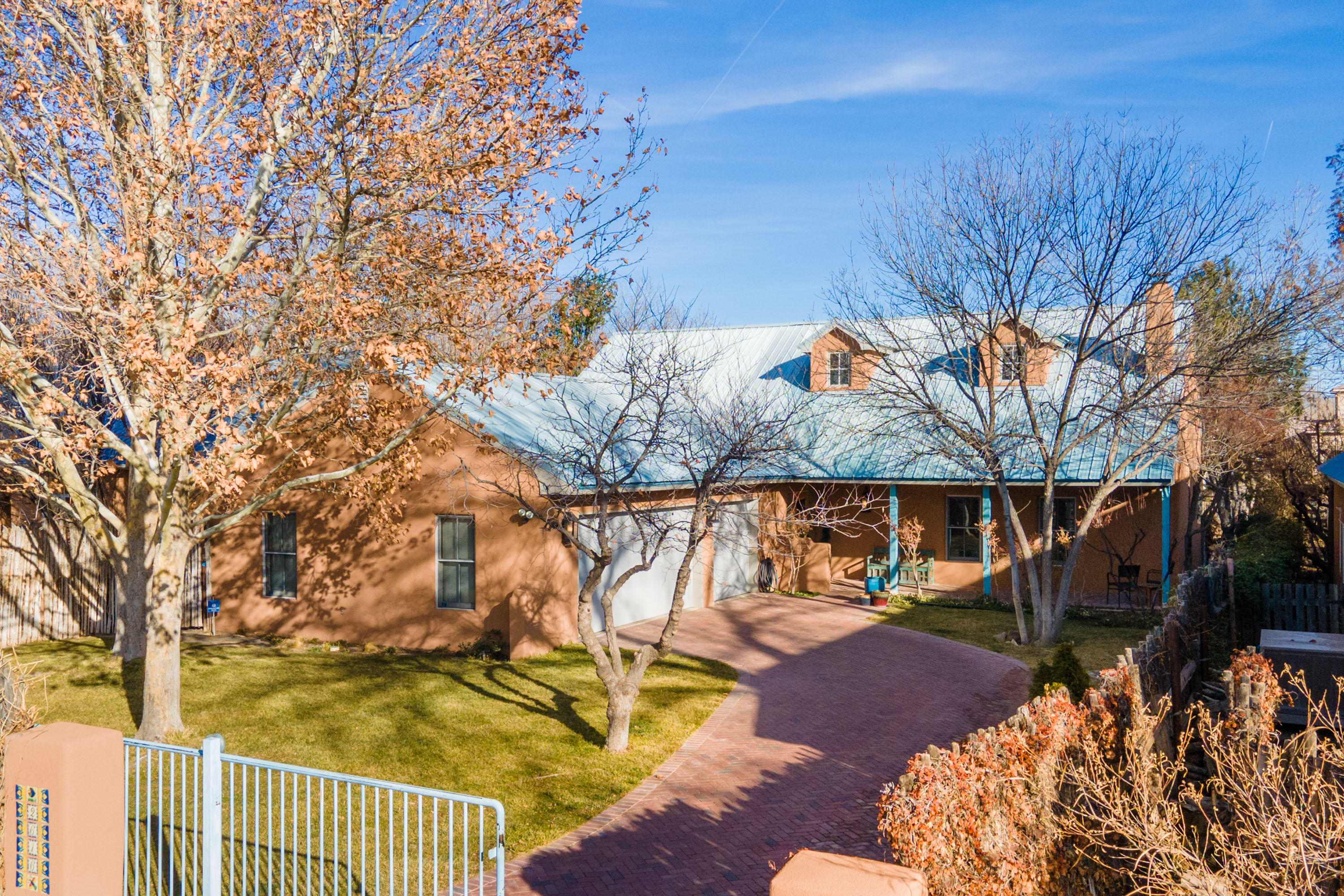 2616 HARVEST Lane, Albuquerque NM 87104